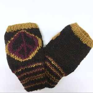 Vintage hippie boho knit peace sign hand warmers C